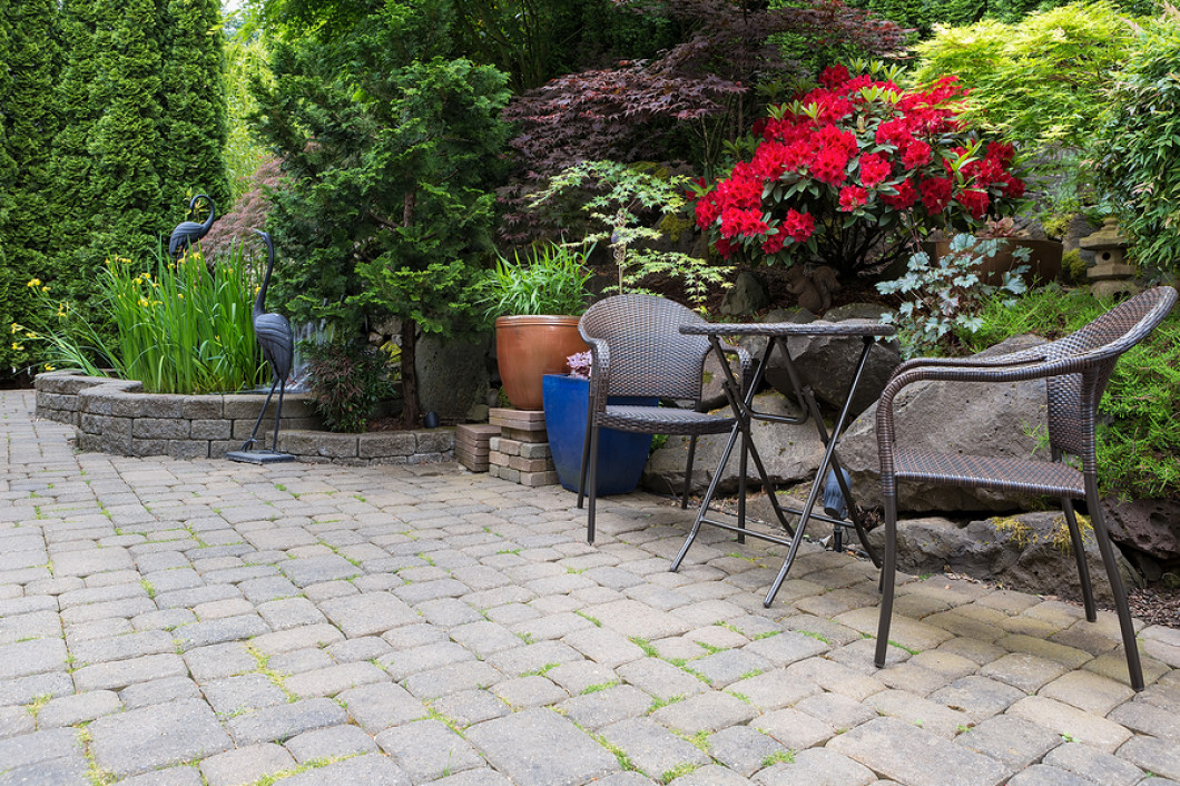 Install Custom Hardscaping Features in Your Yard